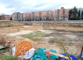 Socavón en la antigua parcela del estadio Vallehermoso