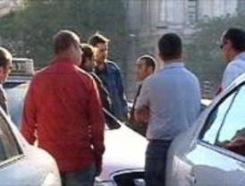 Los taxistas exigen protección tras la muerte de un compañero