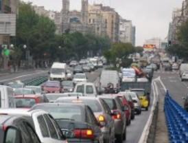 La previsión de lluvia complica el tráfico