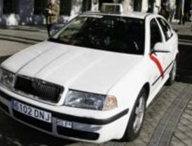 Una nueva web para denunciar las 'listas negras' de las emisoras de taxis
