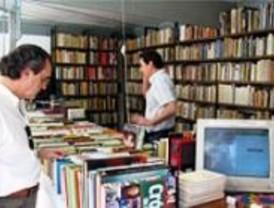 Más de 40 libreros participan en Feria del Libro Antiguo y de Ocasión