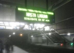 Un apagón deja a oscuras los andenes de L6 en Moncloa