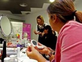 Maquillaje reparador para mujeres con cáncer de mama