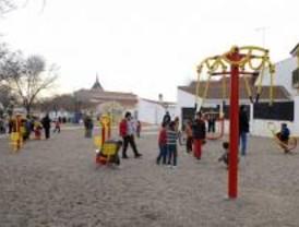 La Comunidad dota a los mayores de Titulcia de un gimnasio al aire libre