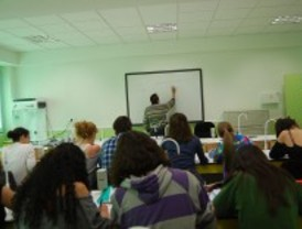 Madrid convoca 190 plazas de profesor