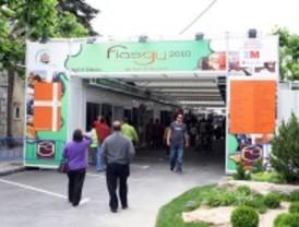 Menores infractores participan en la feria artesanal de Guadarrama