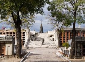 El Ayuntamiento contrata un estudio para poner en valor el cementerio de La Almudena