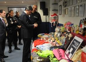 La policía retira 29.000 productos falsificados y peligrosos