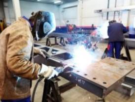 La tasa de empleo masculina supera en 14 puntos a la femenina