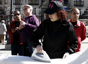 'Plancha que te plancha': homenaje al trabajo doméstico