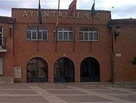 El Ayuntamiento de Algete regala cestas navideñas con productos caducados y moho