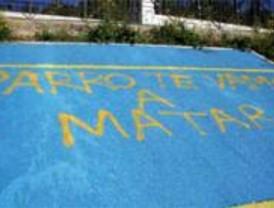 Pintadas con amenazas contra los candidatos del PP y PSOE en Móstoles