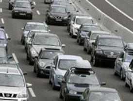 Dos accidentes provocan grandes retenciones en la capital