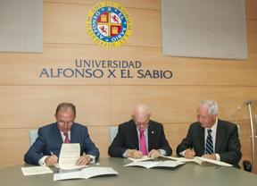 La UAX y el COPOMA firman un acuerdo para obtener el Grado en Podología