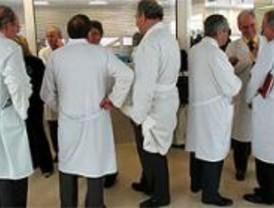 Médicos interinos de la sanidad pública denuncian su