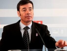 Tomás Gómez niega que Chaves le haya apartado