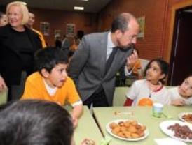 Valdebernardo incorpora productos 'solidarios' en los desayunos de un colegio