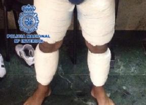 Detenido en Barajas con más de 3,5 kilos de cocaína adherida a su cuerpo
