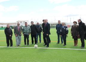 Manuel Troitiño inaugura el nuevo campo de fútbol