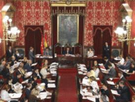 El PSOE se queda solo en defensa de su plan de ahorro en el Pleno