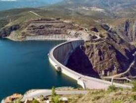 Las reservas de agua vuelven a bajar casi un punto durante la última semana