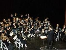 Marcha fúnebre en El Escorial para protestar por la privatización de la Escuela de Música