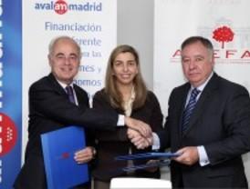 Avalmadrid acuerda facilitar los préstamos a las empresas familiares