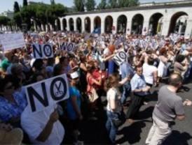 Los funcionarios no cesan en sus protestas