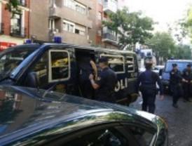 Cuatro encapuchados asaltan una perfumería en Diego de León
