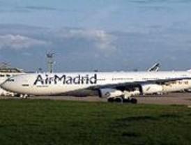 Fomento pone sobre aviso a los usuarios de Air Madrid