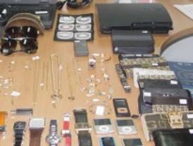 Robaban joyas y las colocaban en casas de compraventa