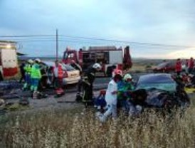 Tres jóvenes mueren en un accidente en Villanueva del Pardillo