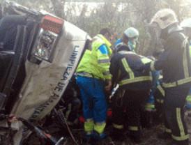 Herido grave al salirse su furgoneta del puente del Guadarrama