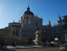 Los Príncipes de Asturias asistirán a la misa funeral por Fraga en la Catedral de La Almudena