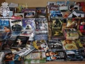 Cae una red de piratería informática en Lavapiés que tenía 31.000 CD y DVD falsos