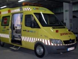 Cuatro heridos en un choque frontal entre un autobús y una furgoneta en Villa del Prado