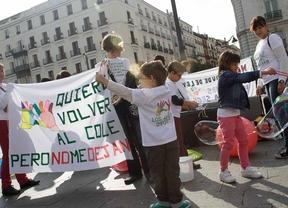 Trabajadores de centros educativos especiales protestan en Sol contra la degradación de sus condiciones laborales