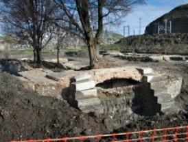 Las obras del AVE sacan a la luz una esclusa del canal del Manzanares
