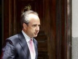 Panero dice que el documento que firmó para fichar al conserje no se tramitó