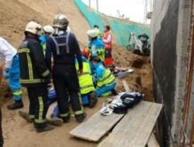 Muere un obrero de 21 años aplastado en una zanja