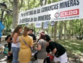 Madrid sigue arropando a los mineros