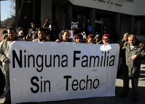 Concentración 'Stop desahucios' en Plaza Castilla