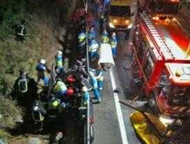 Dos heridos graves tras caer con un vehículo desde un puente en Fuenlabrada
