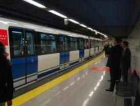 Cortes de agua y retrasos en la línea 9 de Metro por la rotura de una tubería