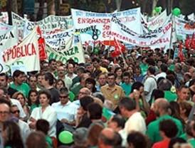 La 'marea verde' marcha contra el recorte en la Educación