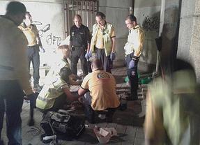Muere un hombre en la calle Alucas