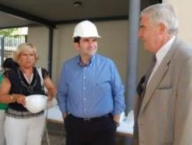El alcalde de Alcalá visita las obras que ampliarán el colegio La Garena
