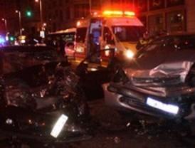 Siete jóvenes resultan heridos al colisionar frontalmente dos vehículos en la Gran Vía
