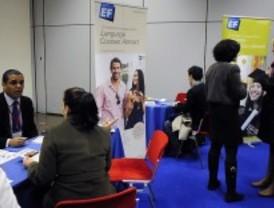 Una feria para estudiar inglés en el extranjero