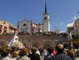 Pozuelo celebra la Semana Santa con misas, procesiones y la tradicional 'Tirada de Aleluyas'